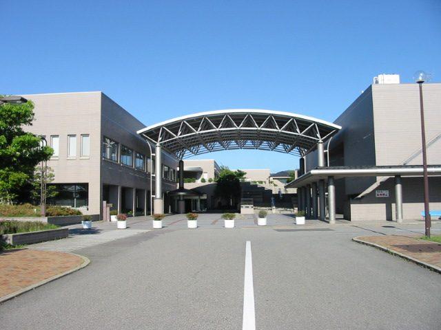 矢田郷地区コミュニィテーセンター(七尾サンライフプラザ)外観